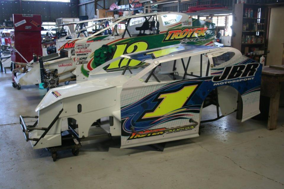 Troyer Race Cars Building Modiied Lites